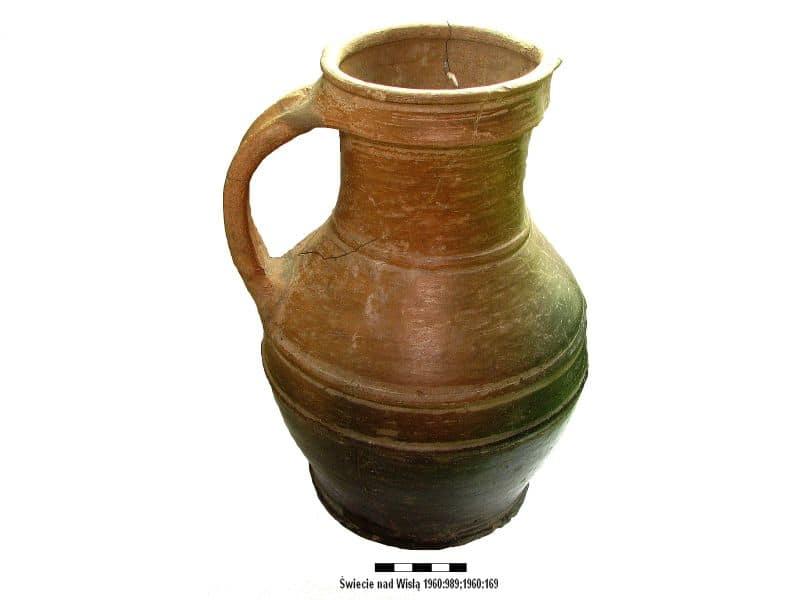 04 dzban gliniany XV wiek