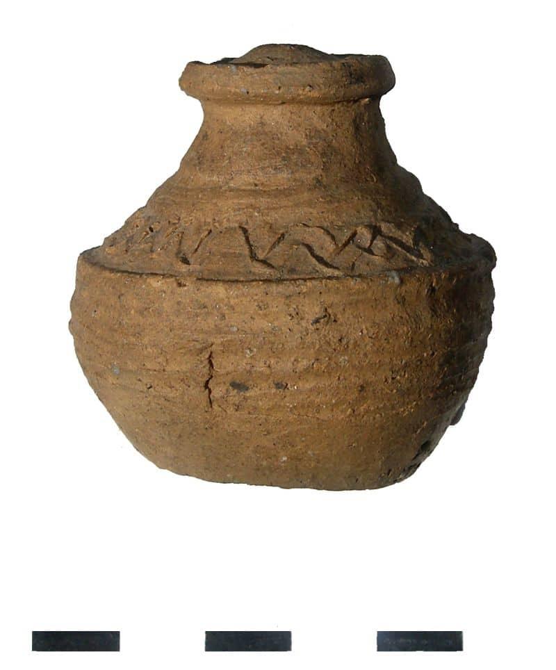 05 grzechotka gliniana XI wiek