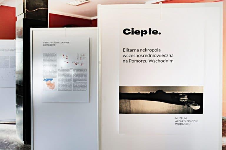 Ciepłe - wystawa posterowa